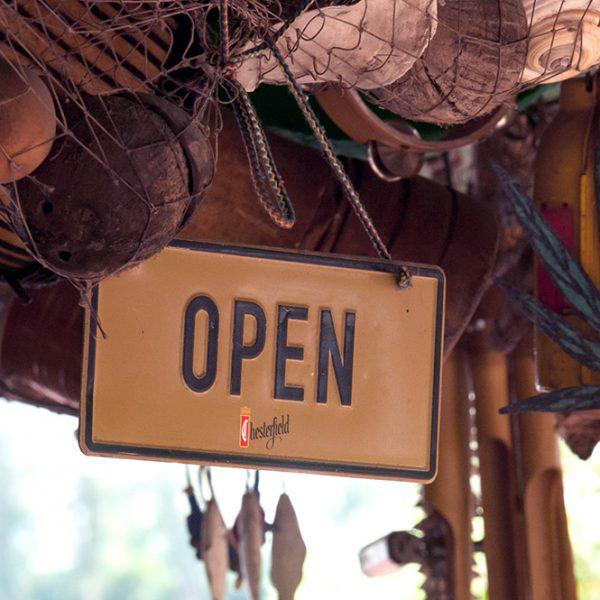 """Beachbar Lambsheim - Schild """"Open"""""""